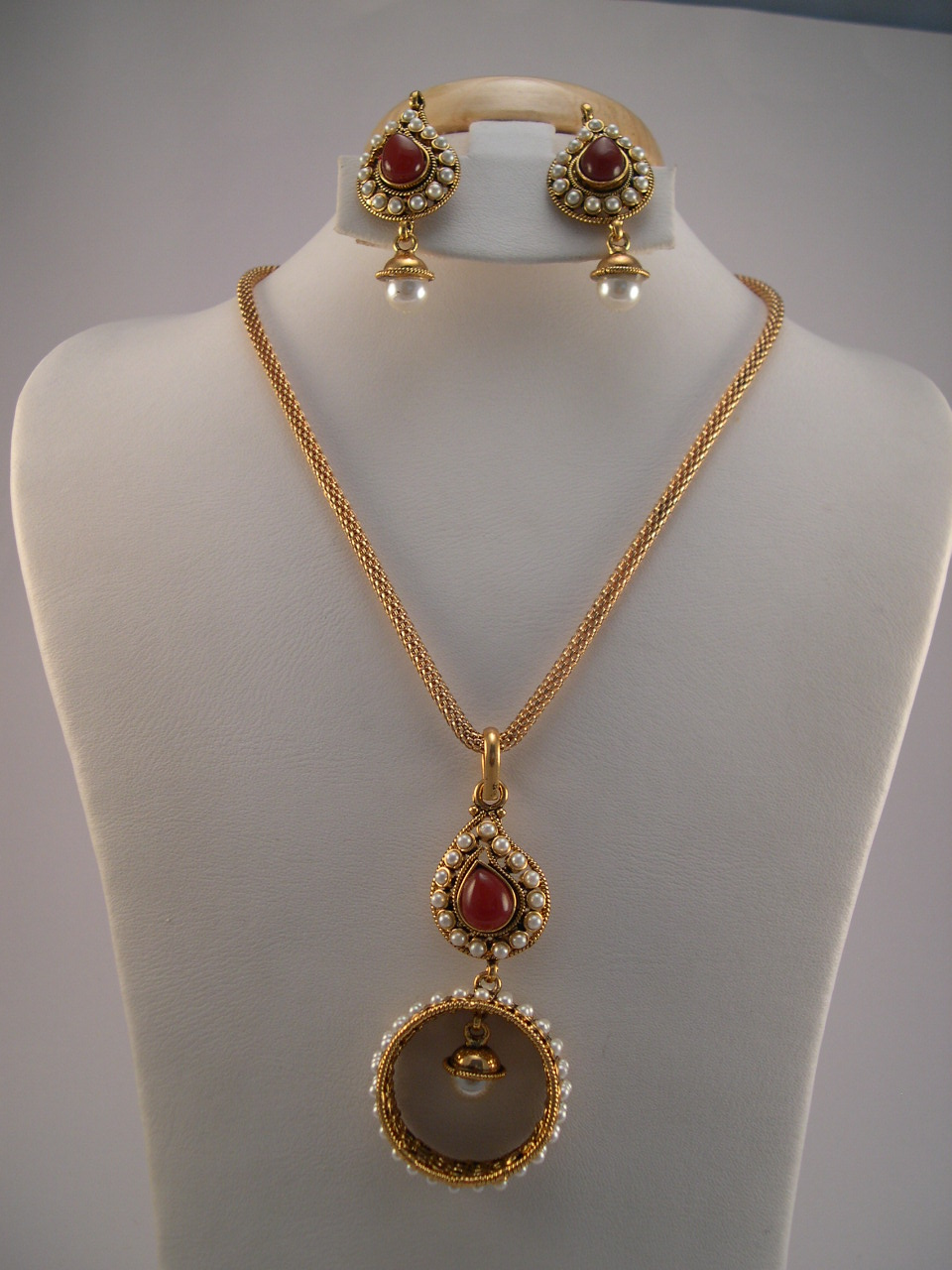 Antique jewelry necklace sets aloadofball Gallery
