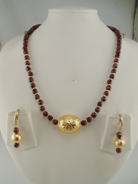 Garnet Jewelry Facetted Plain Garnet Necklaces