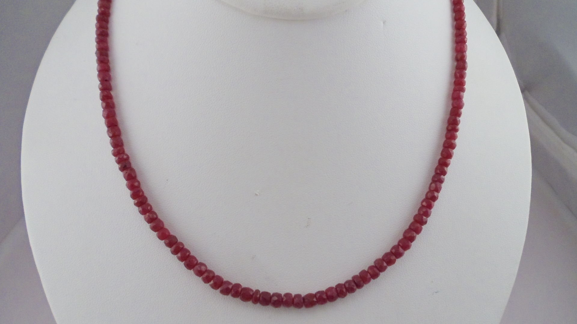 Ruby Jewelry & Spinel Jewelry - Beautiful Necklaces & Loosestones